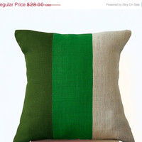 Valentine SALE Chic Green Burlap Pillow -Throw Pillows color block- Decorative green cushion cover- Burlap Throw pillows -18x18 -Forest moss