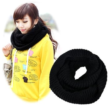 OM Knitted Snood