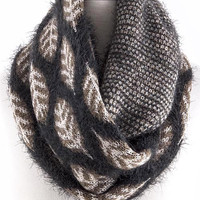 Leaf Motif Infinity Scarf - Grey/Brown