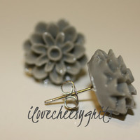 DOVE GRAY MUM~  Flower Earrings, Daughter Earring, Flower Girl, Mother's Day Gift, Spring Fashion, Pastel Earring, ilovecheesygrits