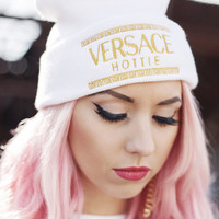 QUEENS — Hottie Beanie - White
