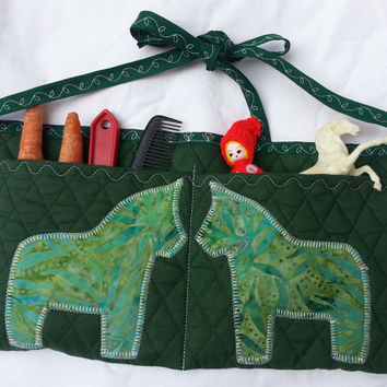 Girl's Quilted Apron for Young Horse Trainers, Horse Groomers, Gardeners in green - Horse Training Apron Dala Horse Appliqued