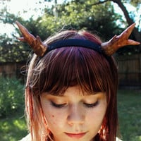 Deer antler headband - Natural tones with golden glitter.