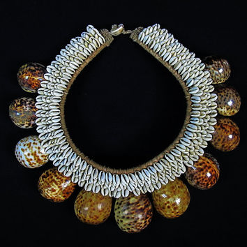 New Guinea Tribal Ceremonial Necklace Of Large Brown Shells On Plaited Rope // Papua Shell Necklace