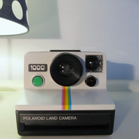 CHRISTMAS Gift SALE  Polaroid 1000 Rainbow Land Camera  Camera Sx-70 type instant film