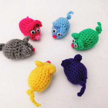 Crochet amigurumi mouse, stuffed mini toy ...... accessories, keychain, home decor, cat rattle toy. Price is for one mouse. Various colours.