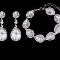Victoria 2 PC Earring & Bracelet Set