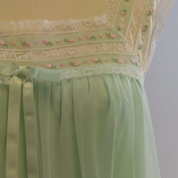Vintage Mint Green Nylon Lace Floral Embroidered Nightie by Komar Petite Size Small Medium