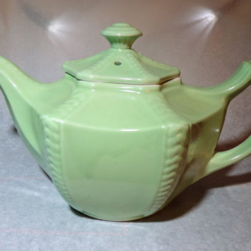 Hall China  Victorian-style Tea Pot 'Connie Celedon' Fabulous