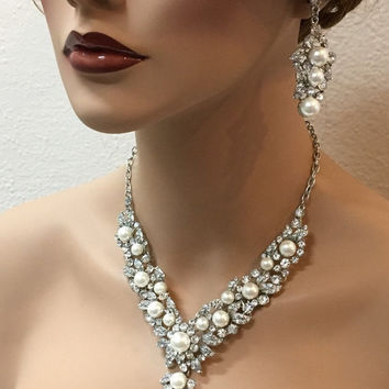 Wedding jewelry, Bridal jewelry set, vintage inspired back drop ivory pearl necklace, rhinestone bridal statement necklace, pearl earrings