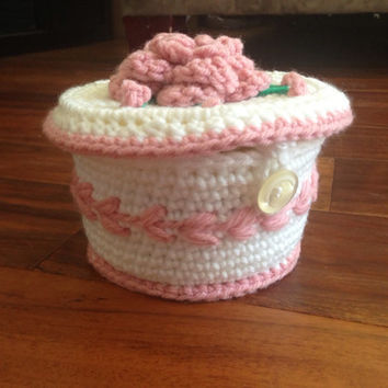 Crochet Trinket Box Lid White Cupcake Pink Flowers Button Closure Cute Handmade Round Gift Box Jewelry Vanity Curio Vintage Ring Keeper