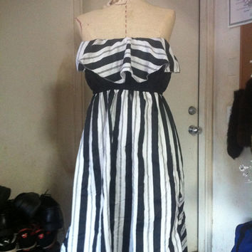 Black and white stripe strapless dress by kinizamora on Etsy