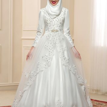 2017 Luxury Long Sleeves Muslim Wedding Dresses Hijab High Neck Vintage Dubai Bridal Gowns Applique Beaded Kaftan Abiti da Sposa