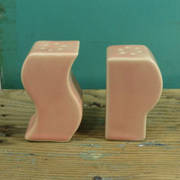PS Art Deco Salt and Pepper Shakers • Circa 1930s • Coral Pink • Ceramic Letters • Deco Font