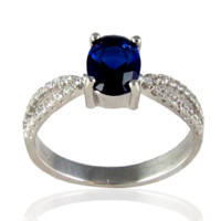 Frozen – Oval-cut sapphire cubic zirconia solitaire sterling silver with white pavé cz double band ring