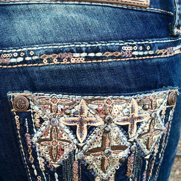 GRACE IN L.A. DIPPED CLOVER BOOTCUT JEANS