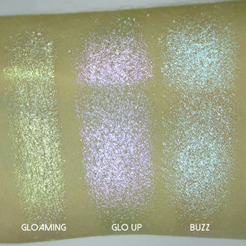 Phee's Makeup Shop Trance Luxe Holographic Highlighter Compact - VEGAN + CRUELTY FREE