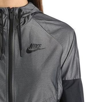 Day-First™ NIKE WINDRUNNER RIPSTOP JACKET