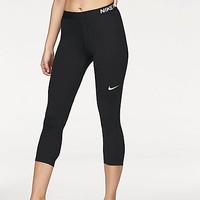 Nike Cropped Leggings | Freemans