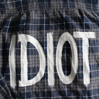 "5 Seconds of Summer 5SOS Michael Clifford Inspired ""IDIOT"" Flannel Mens L"