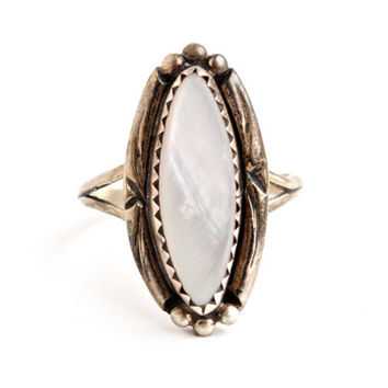 Vintage Sterling Silver White Mother of Pearl Ring - Size 6 1/2 Native American Boho Jewelry / Tribal Marquise