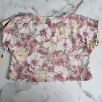 floral crop top / cropped t shirt / pink crop top