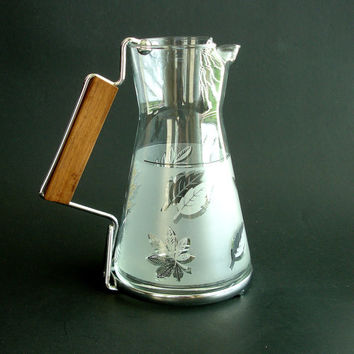 Vintage Libbey Silver Leaf Glass Pitcher, Frosted Glass, Teak Handle, Retro Kitchen 1960s Midcentury Danish Mid Century Modern, Estate Find