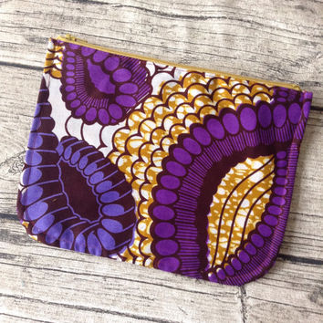 Purple make up pouch. Cosmetic bag African print. Zippered pouch, make up,  Purse, cosmetic purse. Wax print
