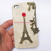 Eiffel Tower w/ Owl- iPhone 4 case
