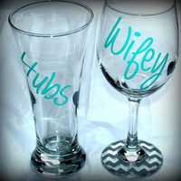 Hubby and Wifey Chevron Pattern 20 oz Wine glass and 20 oz beer glass set. Wedding glass Set, Anniversary Set