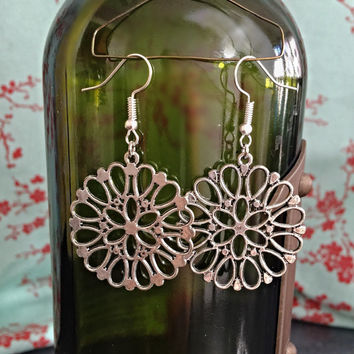 Silver Flowery Earrings
