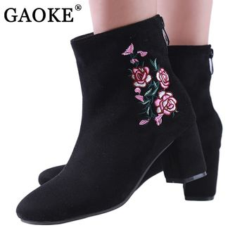 2018 Spring Autumn Women Brand Shoes Fashion Embroidery Thick High Heel Faux Sude Pointed Toe Floral Ankle Boots Square Heels