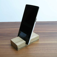 iPhone stand. Wooden iPhone Stand. Walnut Wood iPhone Dock. Nexus 4 wood stand. Lg G2 Stand
