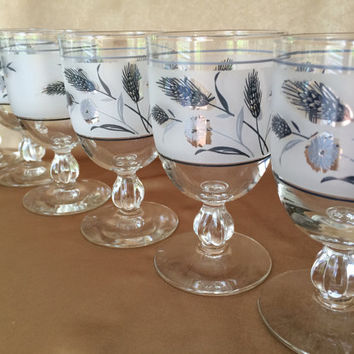 Silver Leaf Glasses, Libbey Wine Glasses, Silver Foliage, Pedestal Wine, Mid Century Barware, Silver and Frost Ball stem, 60s Bar Essentials