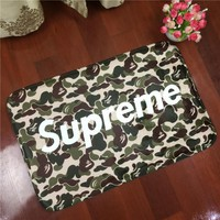 NEW!Supreme Letters To Camouflage Flannel Carpet Pad Brand Kitchen Toilet Mat Rug Mat