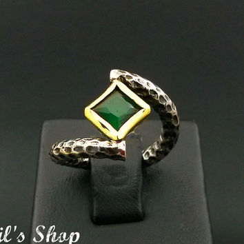 Ring, Bague, Anillo, Special Design Jewelry, 925 Sterling Silver, Gift For Her, Hammered, Oxidized, Handmade, With Emerald Stone, US Size 6