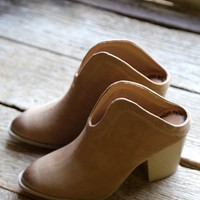Vance Slide-On Boot, Camel