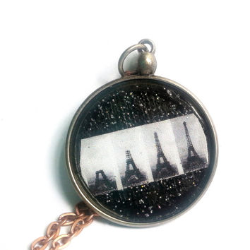 Paris Pendant, Eiffel Tower Pendant, Eiffel Tower Photo Necklace, Eiffel Tower Necklace, Photography Art, Architecture Necklace, Art Jewelry