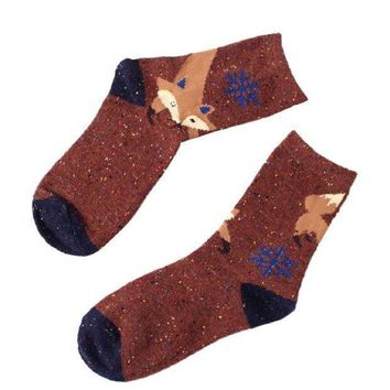Ikevan 1 Pair Women Cute Animal Design Fashion Casual Soft Wool Cotton Socks Fox Snowflake Socks (coffee)