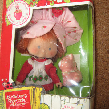 Vintage Strawberry Shortcake Doll by Kenner 1982 Original Box