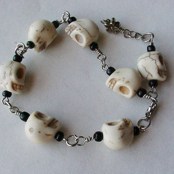 Tiny skulls charm bracelet Day of the Dead Dia de los muertos skull bracelet white black adjustable