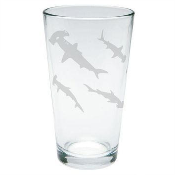 LMFCY8 Hammerhead Shark Sharks School Etched Pint Glass