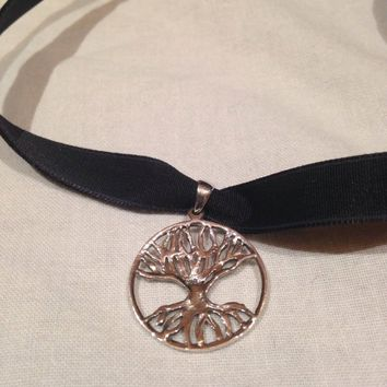 Ancient entwined tree of life dangle pendant
