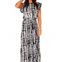 Missguided - Efryta Tie Dye Rolled Sleeve Maxi Dress