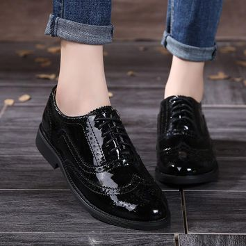 2016 Genuine Leather Women Shoes Brogues Lace up Flat Heels Round Toe Patent Leather