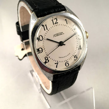 "Vintage men's watch ""ROCKET"" (Raketa), mechanical Soviet wristwatch with white off dial,brand new leather band,great gift for him."