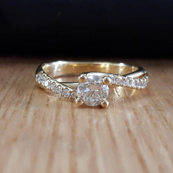 18K Gold, Diamond Solitaire Ring, Round Diamond Ring, Split Shank, Pave Diamond, Gold Diamond Ring, Engagement Ring, Diamond Engagement