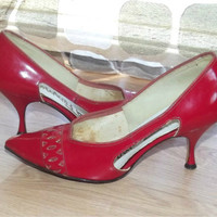 Vintage 50s Sexy RED Patent Leather Stiletto High Heels Pumps Metal Heel Tips Cutout Vamps Pointed Toes Shoes