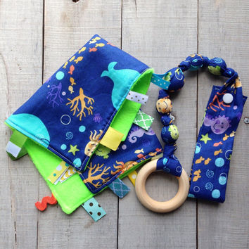 Ocean Tag blanket, Snap teether gift set, baby teething toy, Fish Ribbon blankie, Organic wood ring, fabric teether, Baby Shower gift set