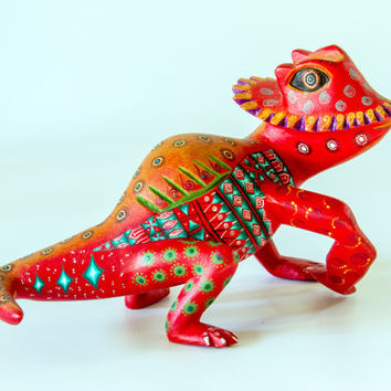 Mexican Folk Art - Oaxaca Woodcarving by Jacobo & Maria Angeles Studio :Chameleon